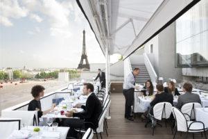 Terrasse du restaurant La Maison Blanche Paris